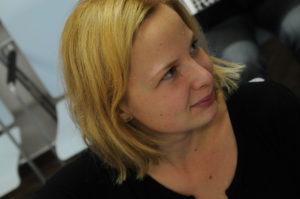 Júlia Holaňová